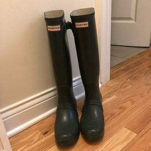 Hunter Tall Dark Green Rain Boots Size 8